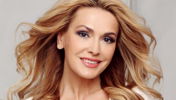 Ольга Сумская показала лицо намного моложе, чем Тарабарова на совместном фото