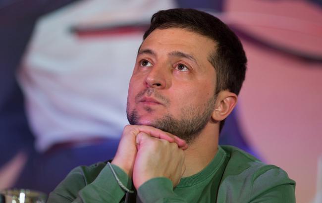 Он еще и бегать успевает? Новое фото Зеленского подорвало Сеть. Да еще и с кем!