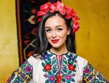 Ей уже ничего не поможет: Мария Яремчук окончательно исказила свои губы да еще и сделала новую татуировку