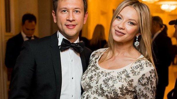 Полина Логунова показала фото с маленькой дочкой из стильной фотосессии