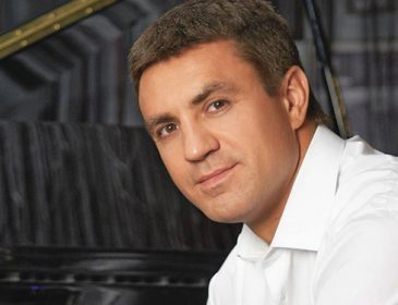 Николай Тищенко показал своего маленького сыночка, на кого он похож?
