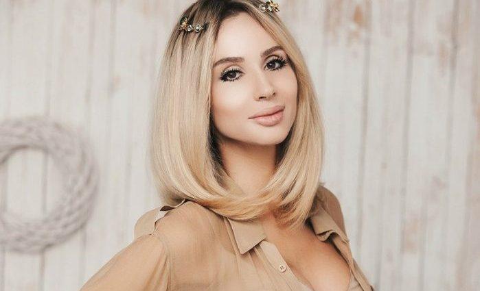 Светлана Лобода поразила эффектным платьем с огромным разрезом