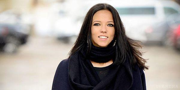 Елегантна в черном: Ирина Горова на балу покорила поклонников стильным образом