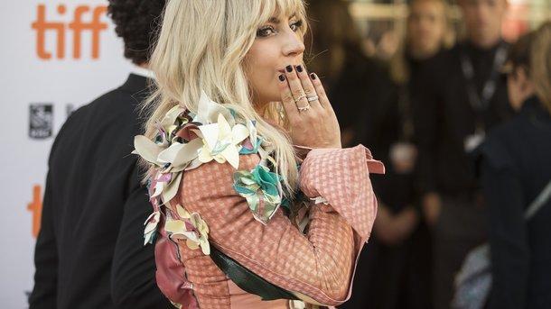 «Ценой собственного счастья»: Леди Гага рассказала, почему разорвала помолвку