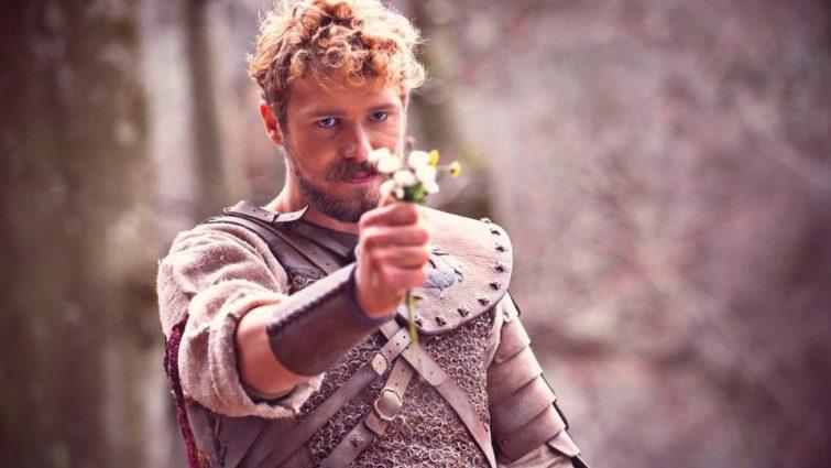 «Украинский Брэд Питт»: Кто он, актер Роман Луцкий и почему все о нем говорят