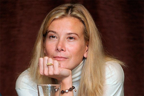 «Мейк можно увидеть крайне редко…»: Высоцкая не постеснялась показать новое фото