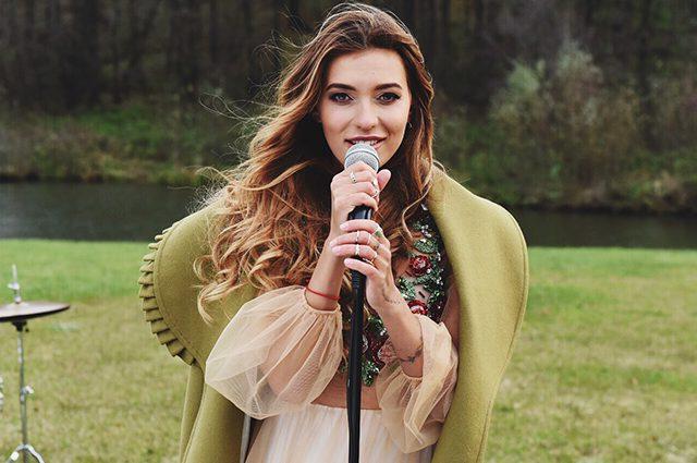 Тодоренко удивила платьем от российского бренда за 7000 гривен