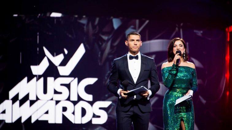 «Выбор поражает!»: Стало известно, кто стал «Певцом года», так еще и получил не одну награду