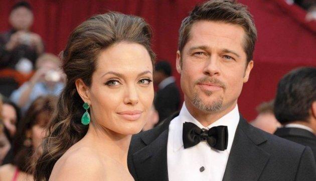 Снова вместе? Анджелина Джоли и Брэд Питт встречают Рождество в кругу семьи