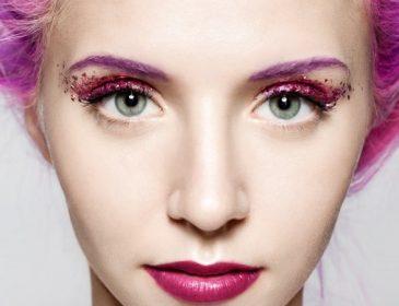 Как сделать макияж глаз с блестками, чтобы не выглядеть дешево и вульгарно
