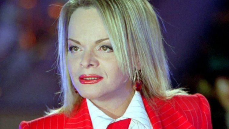 Вы ее точно не узнаете! 62-летняя Лариса Долина очень располнела и пришла на красную дорожку в коротеньком платье