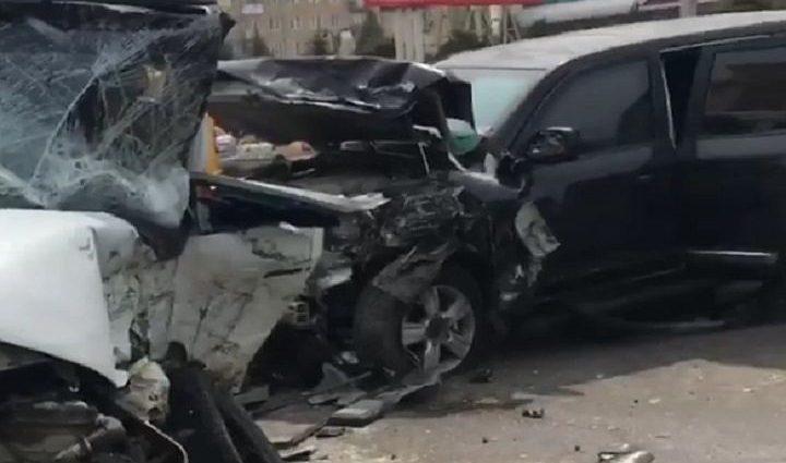 «Был доставлен в больницу…»: Известный актер с дочкой попал в жуткое ДТП