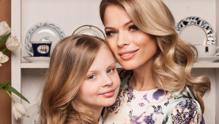 Вылитая мама: Дочь Ольги Фреймут засветилась в дорогущем платье