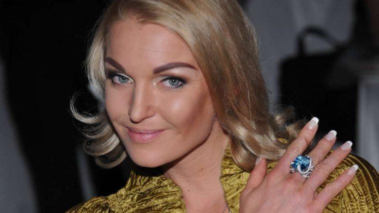 «О, новые трусы!»: Волочкова взбудоражила Сеть новым обнаженным фото