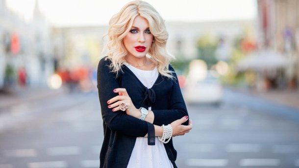 «Народная в латексе»: Травести-дива Монро осудила реакцию Тины Кароль по Зианджы — экс Борис Апрель