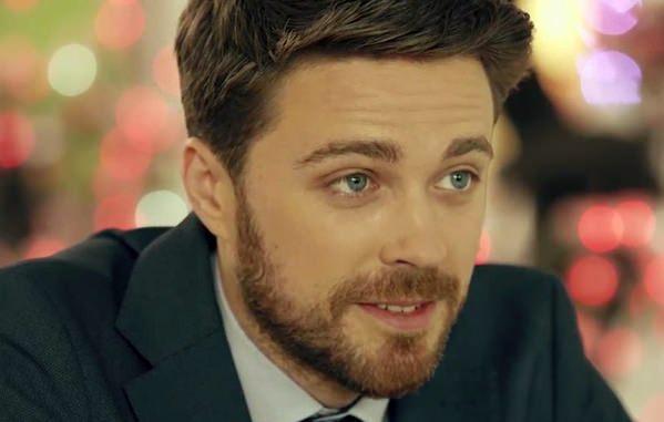 «Все девушки мечтают об этом красавце, однако …»: Только посмотрите на любимую актера Александра Попова. Хороший выбор!