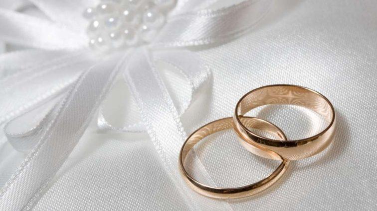 «Вместо платья…»: Свадьба популярной супермодели и известного продюсера взорвала интернет