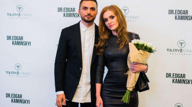 «Аж слепит от увиденного»: Певица Слава Каминская прошлась по подиуму в бюстгальтере