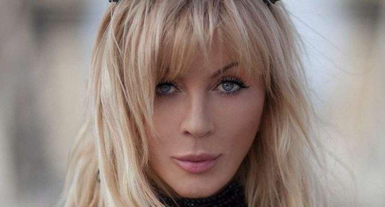 «Возомнила себя княгиней»: Ирина Билык показала поклонникам свой новый образ