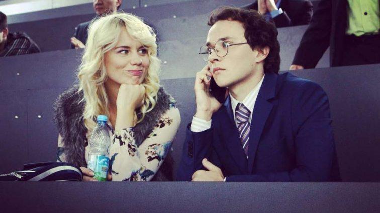На экране она легкомысленная блондинка Елена Алимова — гордость украинского кинематографа, какова девушка в жизни