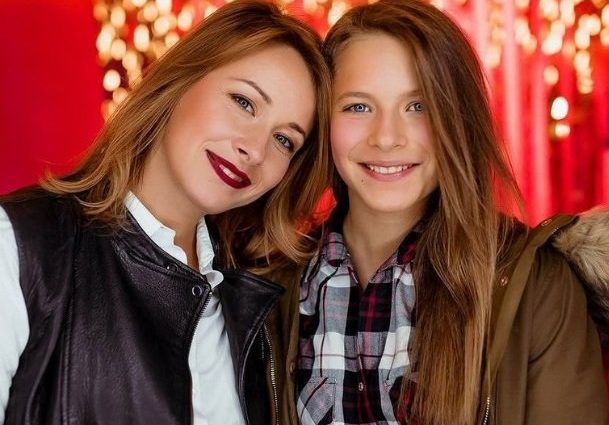 «Она просто обезбашенная копия своей мамы»: Только посмотрите на старшую дочь Елены Кравец, невероятная красавица!