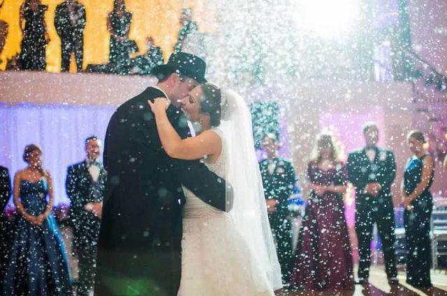В самый романтичный день года! Известная украинская певица вышла замуж за депутата