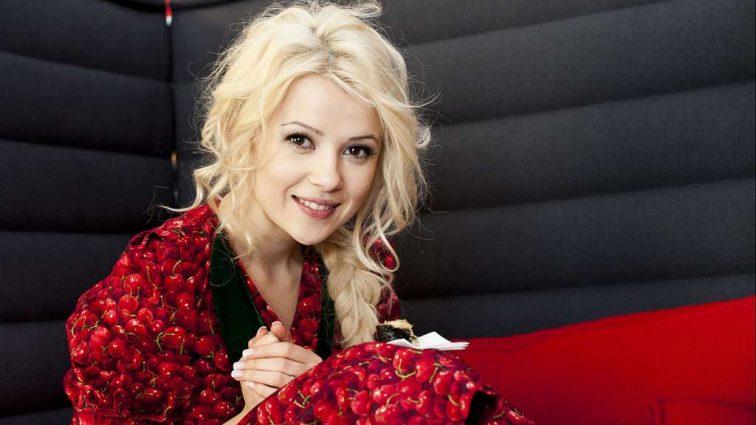 «Я даже моргать не могла»: Известная украинская певица выходит замуж