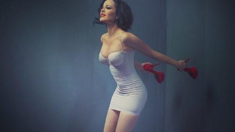 «Нашла кому пристроить свою голую ср*ку»: Из-за Даши Астафьевой в Сети разгорелся скандал