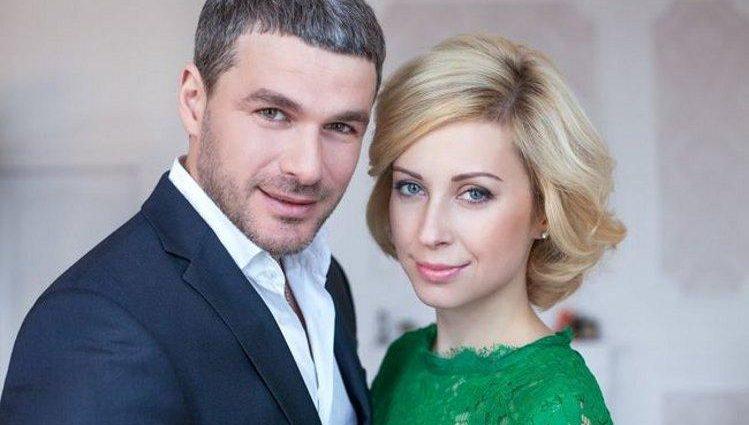 Матвиенко и Мирзоян похвастались фотографиями с медового месяца