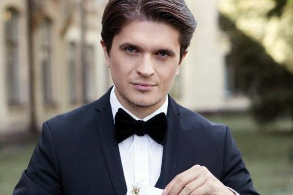 Пухлые и мягкие: Телеведущий Анатолий Анатолич увеличил себе губы