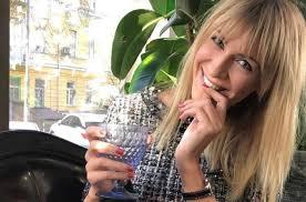 Просто и стильно: Леся Никитюк порадовала поклонников весенним образом