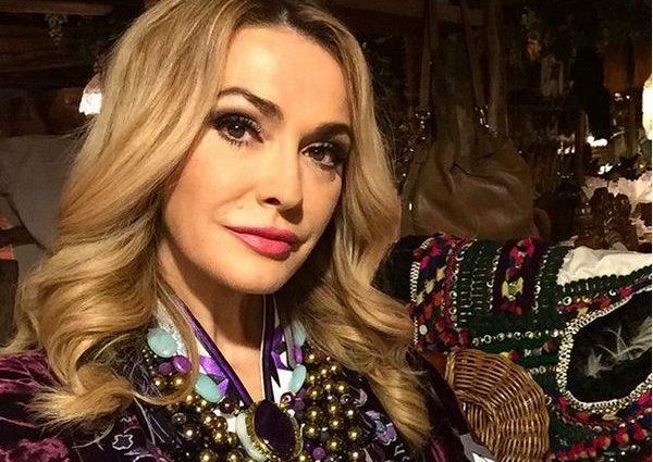 «Как подросток»: Ольга Сумская поразила поклонников лицом без макияжа