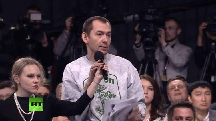 Вопросы, которые доводили до бешенства Путина и красотка-жена: Что известно про самого скандального украинского журналиста Романа Цимбалюка