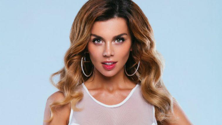 «Что случилось с ее губами»: Анна Седокова испугала поклонников своим новым фото