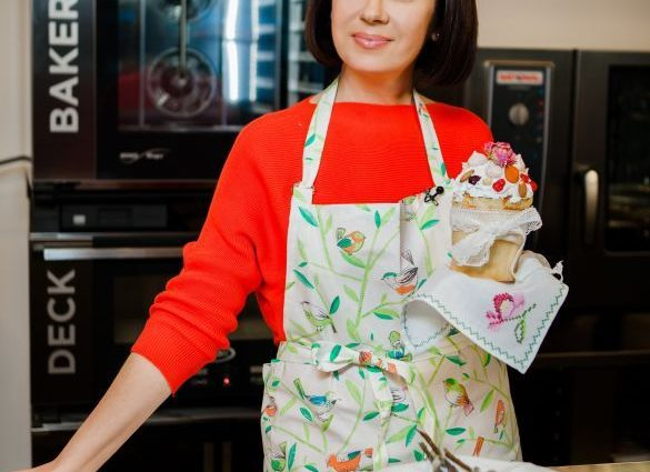 Настоящая хозяйка: Алла Мазур показала как готовится к Пасхе