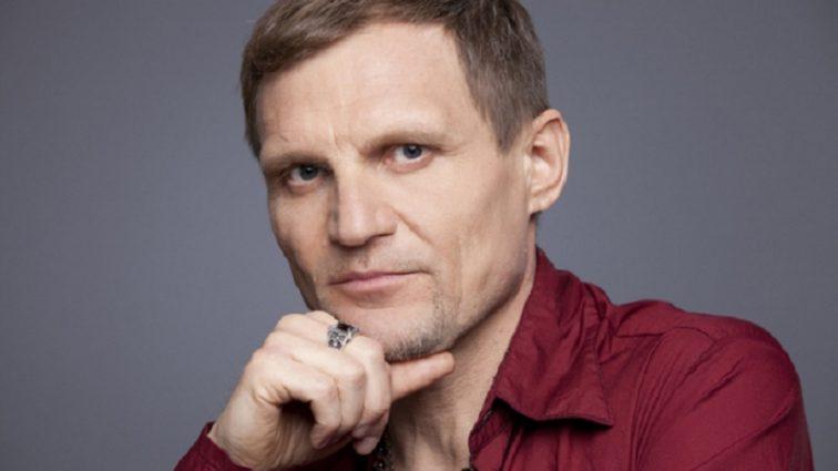 «Кто еще не слышал наш совместный дуэт…»: Олег Скрипка будет выступать со своим сыном