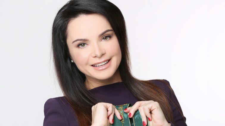 Совсем на себя не похожа: Лилия Подкопаева поделилась архивным фото. Там она еще блондинка