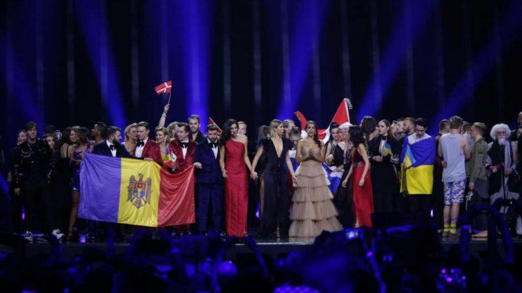 Скандал на «Евровидении»: Нахал испортил выступление одной из конкурсанток