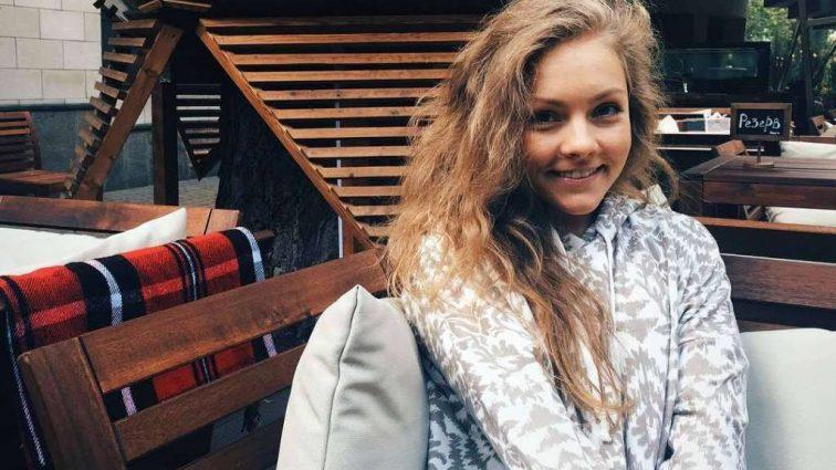 «И пусть весь коридор в коробках…»: Беременная Алена Шоптенко впервые показала свою новую квартиру