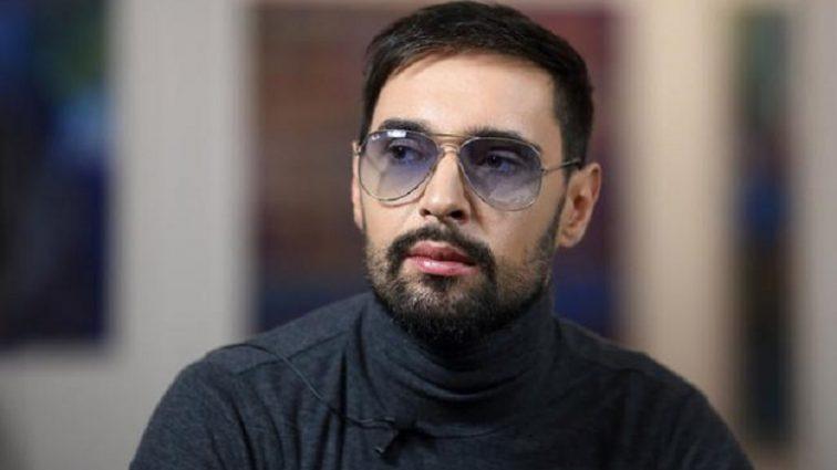 «Почему он хочет выступать в такой компании …»: В Украине разразился настоящий скандал, из-за объявления о концерте Виталия Козловского