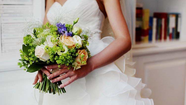 «А на пальце сверкает кольцо»: Известная украинская певица выходит замуж