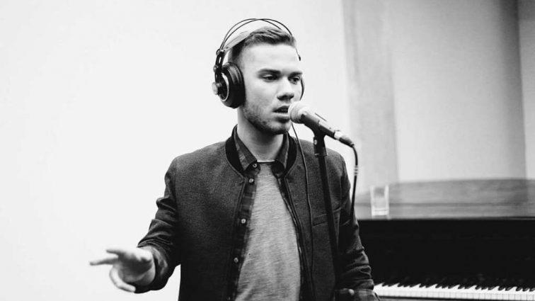 Музыкант в четвертом поколении: Вся правда о личной и творческой жизни финалиста «Голоса» Владислава Каращука