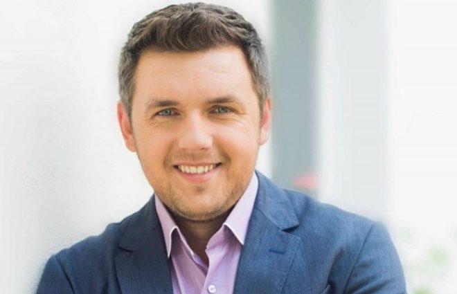 «Я благодарен …»: Стало известно почему Карпачев покидает СТБ