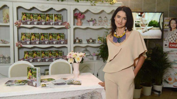 Ждет четвертого ребенка: Популярная украинская телеведущая призналась о своей беременности