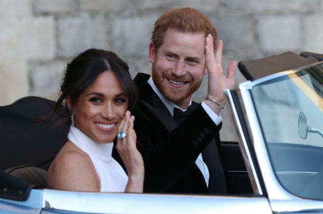 Королевская семья в шоке: первый выход Меган Маркл с королевой не обошелся без конфуза
