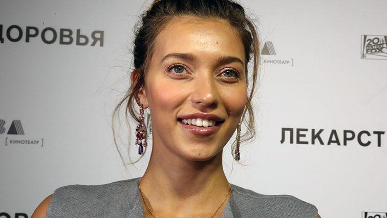 «Подхватила синдром Пугачевой»: На украинскую телеведущую накинулись поклонники