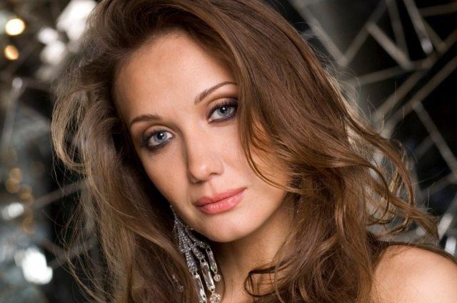 «Мужчина ее же продюсер и роман с рэпером»: Тайны личной жизни Евгении Власовой