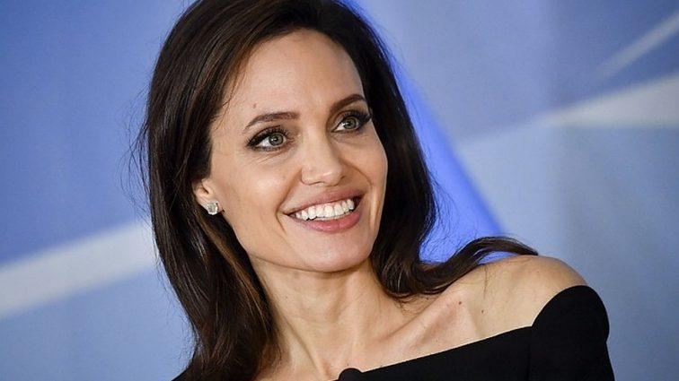 У Анджелины Джоли могут отобрать детей