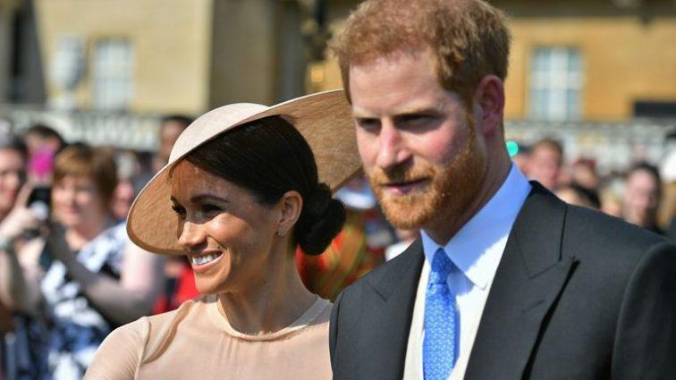«Не подобает представительнице королевской семьи»: Принц Гарри раскритиковал Меган Маркл