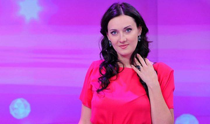 «Соблазнительница»: Соломия Витвицкая показала игривые ночные танцы